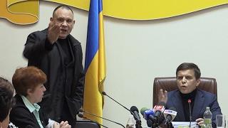 Мер Житомира змусив «айдарівців» вибачитись, після чого вони одразу висловили йому претензії