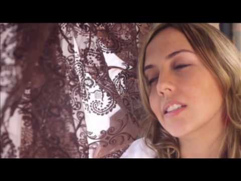 Download Natalie Oliveri - Never Too Late Mp4 baru