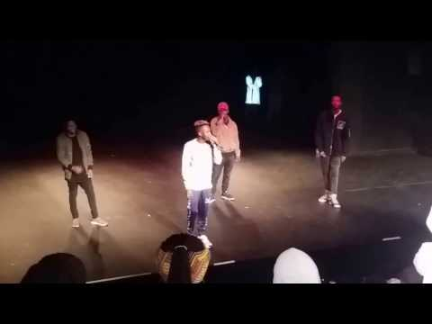Kwesta performing  Mmino and Ngud at UJ...