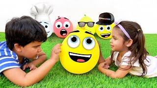 Kai e Clara Brincam com Balões de Ar e Fazem Novos Amigos