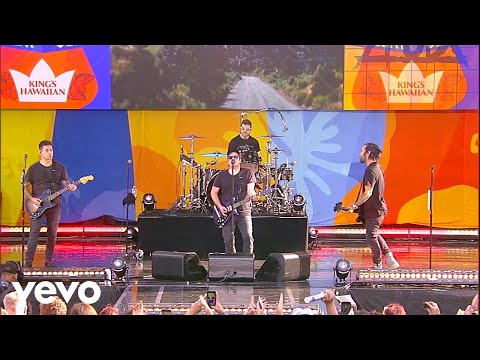 Fall Out Boy - Uma Thurman (Live On Good Morning America)