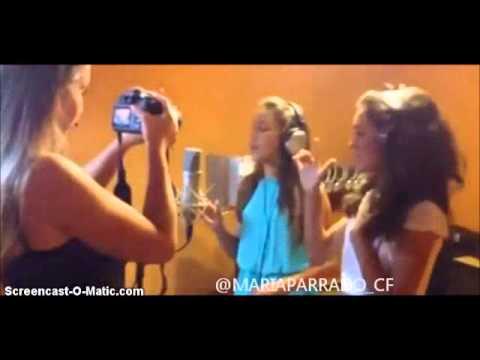 María Parrado y Elena Alberdi - True Friends - YouTube