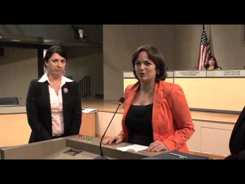 The Malibu Country Mart receives the City of Malibu 2013 Earth Month Proclimation!