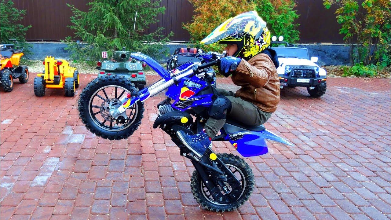 a70b895cec9 Baby Biker  4-Year-Old ride on Pocket Bike and Cross Bike Stunts ...