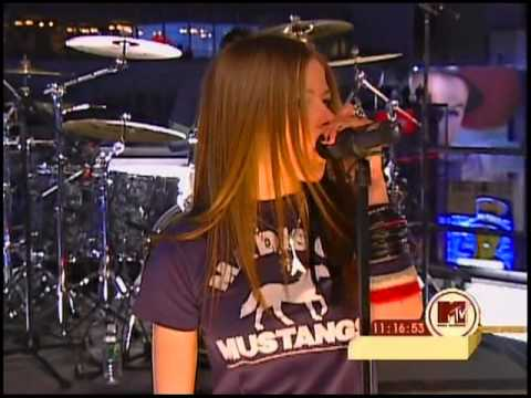 Avril Lavigne  Losing Grip @ Times Square NY New Years Eve 31122002 HQ