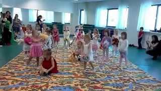 Занятие по художественной гимнастике(Детский центр художественной гимнастики в Екатеринбурге http://gymnastics96.ru/, 2014-04-04T03:55:14.000Z)