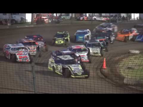 Out-Pace USRA B-Mod Iron Man Challenge feature Upper Iowa Speedway 5/28/17
