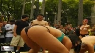 Sexy Girls Doing Sumo Wrestling