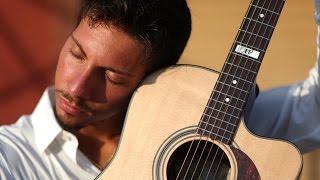 Fingerstyle Virtuose Andrea Valeri live im Music Store