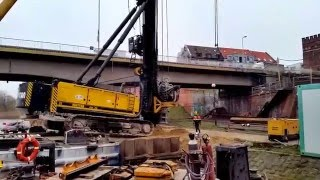 Repeat youtube video Junttan PM28 zjazd na ląd, budowa mostu Malbork.