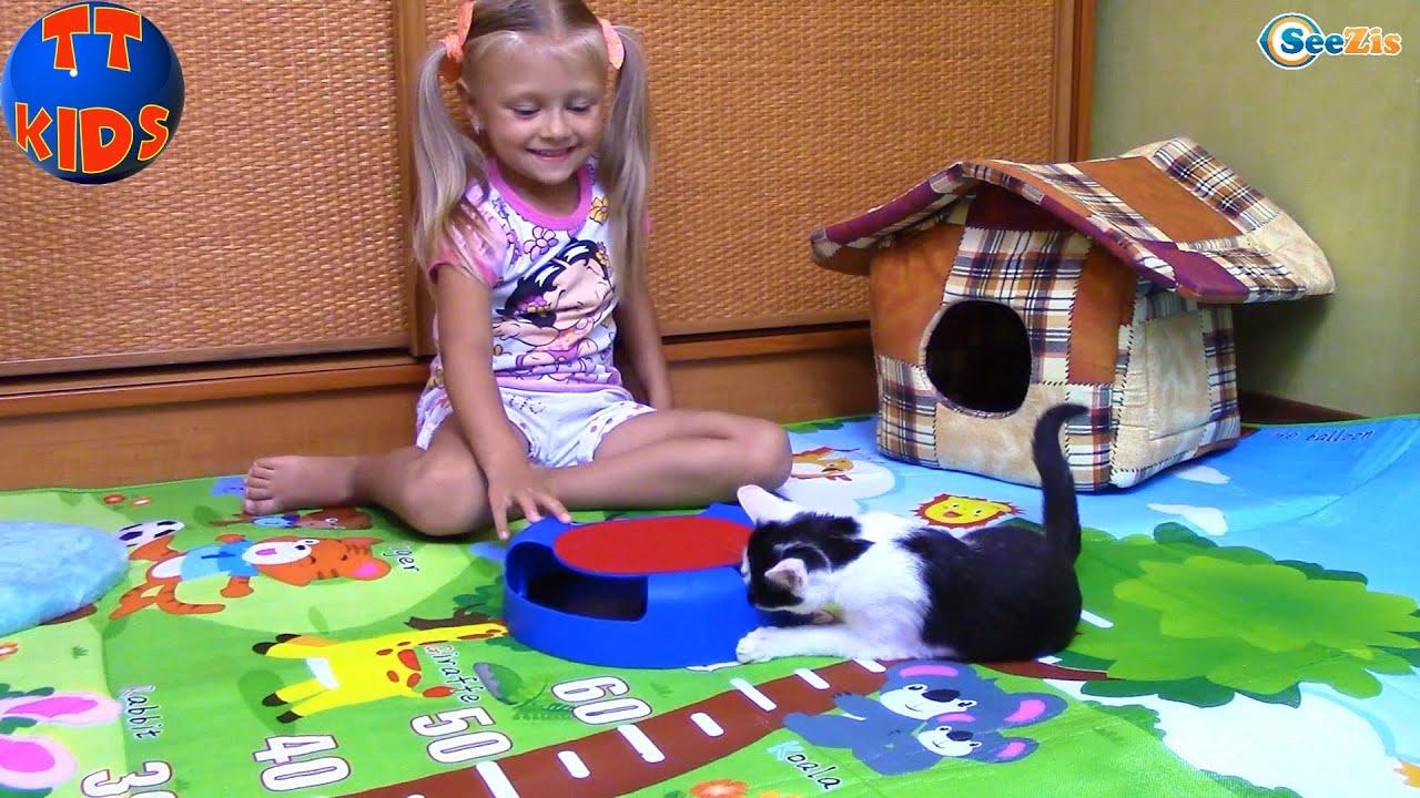 Видео про детей как играют в игрушки видео