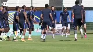 La selección francesa al completo, en el último entrenamiento para la semifinal