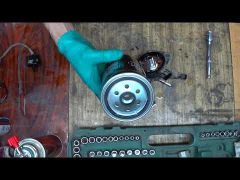 Hyundai Santa Fe 2011 рестайлинг дизель - замена топливного фильтра. Fuel Filter Replacement