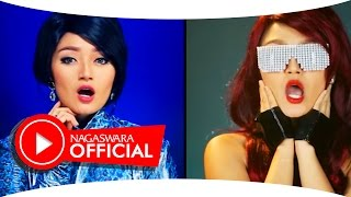 Video Siti Badriah - Keenakan - Official Music Video - NAGASWARA download MP3, 3GP, MP4, WEBM, AVI, FLV Agustus 2017