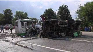 Lorry's registration cancelled a week before fatal bus crash in Russia(At least 18 people have been killed in a bus crash near Moscow. ... euronews, the most watched news channel in Europe Subscribe for your daily dose of ..., 2013-07-14T07:55:50.000Z)