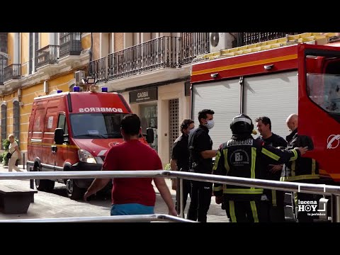 VÍDEO: El incendio en la cocina de un piso en la calle Juan Valera ha despertado hoy al centro de la ciudad