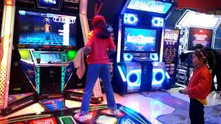 DDR Master Dances to F(x) Red Light
