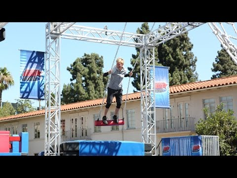 ellen-takes-on-'american-ninja-warrior'