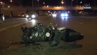 В Казани байк врезался в автомобиль, который за несколько минут до этого попал в ДТП