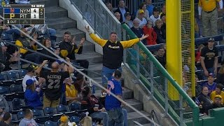 NYM@PIT: Pirates fan makes a nice catch on foul ball thumbnail