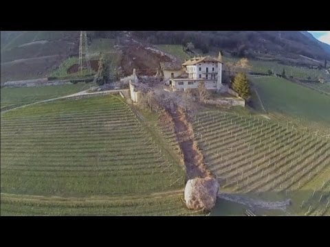 Italian landslide: Huge boulders destroy buildings in South Tyrol