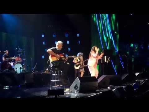 Nirvana & Lorde Perform