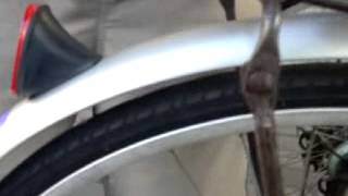 友達の自転車をけつあげした。