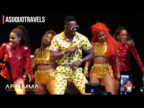 Diamond Platnumz and Tiwa Savage perform together at AFRIMMA Awards 2017