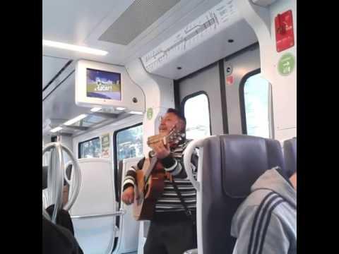 """""""No dudaría"""" FGC / Ferrocarrils de la Generalitat de Catalunya. Peu del Funicular - Sarrià."""