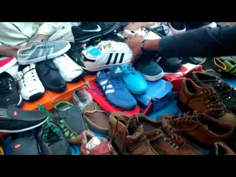 CHOR BAZAAR-[MUMBAI] | Shoes and electronics In cheap prices, Dedh galli/ kamathipura