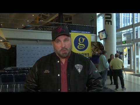 Garth Brooks credits CMA success to live team