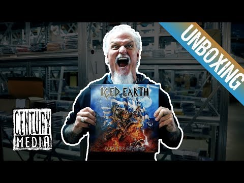 ICED EARTH - Jon Schaffer unboxes ALIVE IN ATHENS