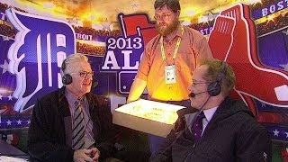 McCarver receives birthday cake in booth