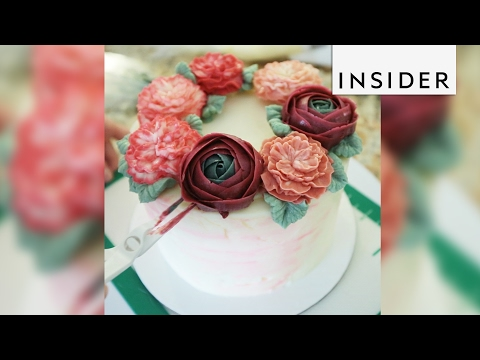 NYC's Brooklyn Floral Delight makes the most romantic cakes