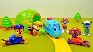 Щенячий Патруль и маленький поезд Томи - Строим железную дорогу. Paw Patrol and little train Tomy