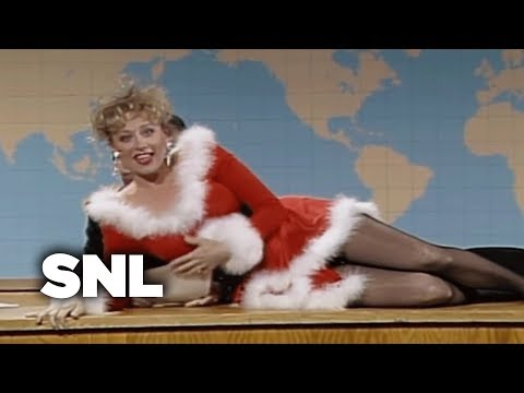 Mrs. Claus & the Elves  SNL