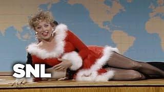 Mrs. Claus & the Elves - SNL