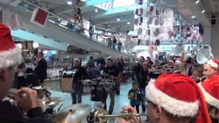 Au-Rugger Wiehnacht - Ensemble - MIGROS Gäupark 1/4 - Flashmob