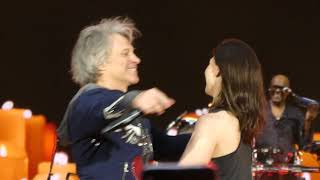 Bon Jovi Bed Of Roses Live at Wembley, London 2019 GIRL ON STAGE.mp3