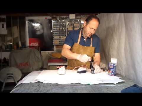 Comment teindre des chaussures en daim youtube - Comment cirer des chaussures ...