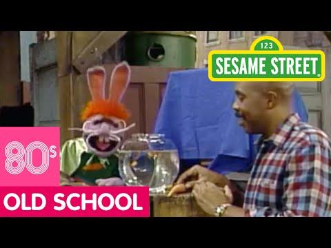 Sesame Street: Captain Vegetable Looks for Superheroes