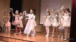 танец снежинок 2