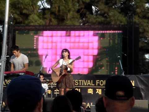 CLARA CHUNG LIVE LA K-FESTIVAL 001