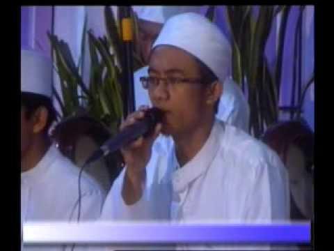 Al-Muqtashidah Live In Cokro ( Thoha Zain )