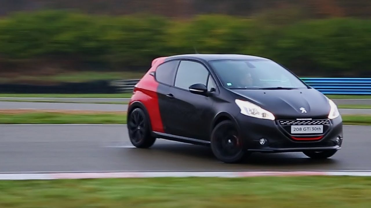 peugeot 208 gti 30th edition track driving oversteer and. Black Bedroom Furniture Sets. Home Design Ideas