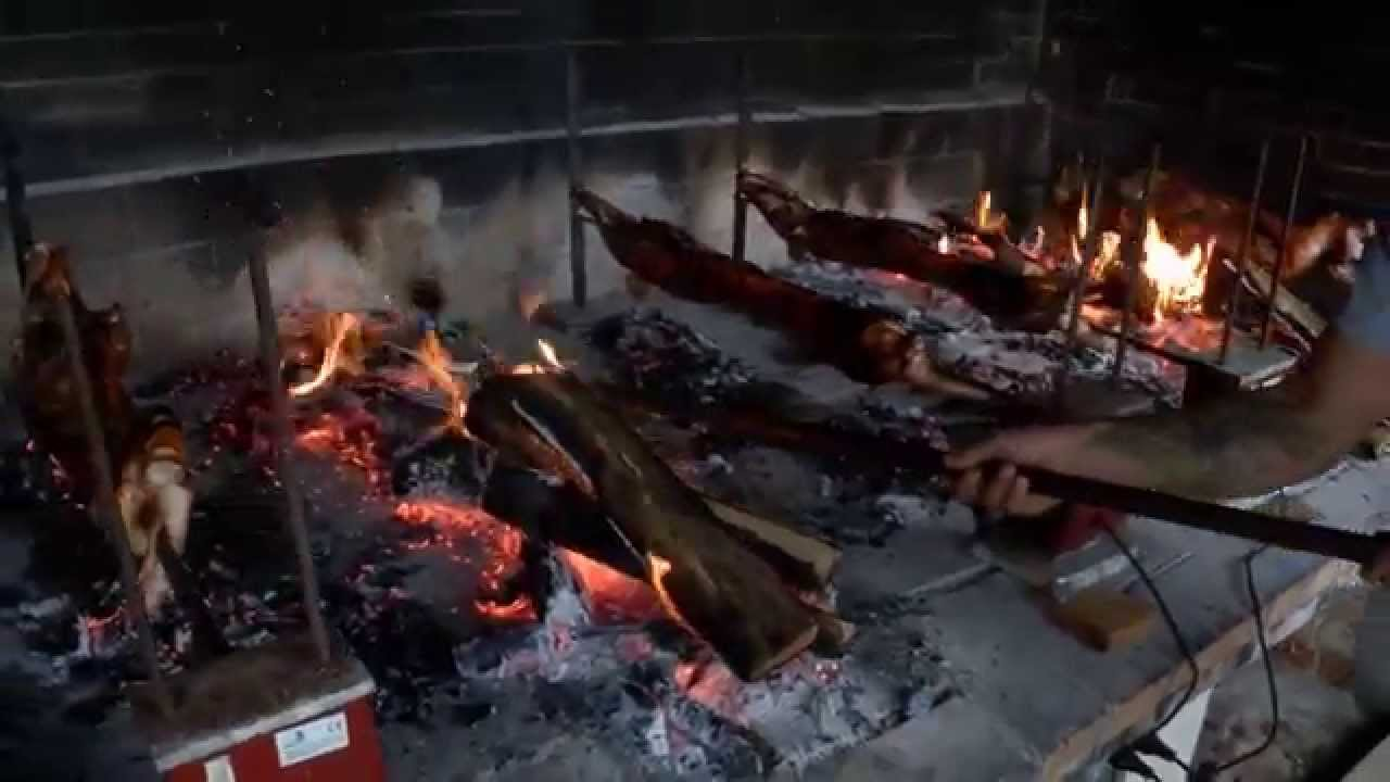 Maialetto allo spiedo cucina sarda e barbecue di carne for Cucinare arrosto