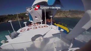 I soccorsi pe ril traghetto incagliato a Santa Teresa