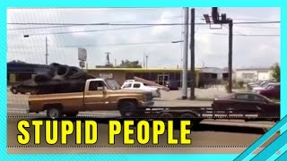 9 Amazingly Stupid People Without Brains