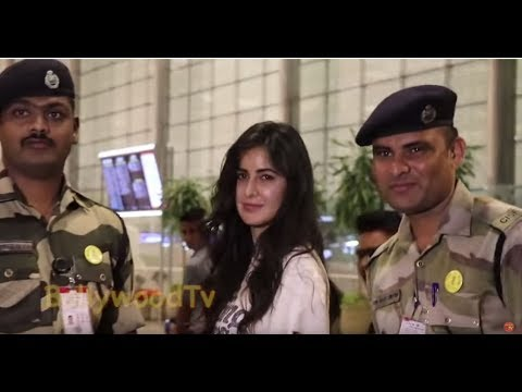 katrina kaif taking Picture with Indian Army Force at airport Mp3