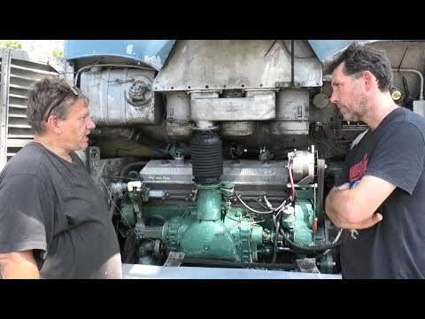 Detroit Diesel Schooling From The Bus Grease Monkey